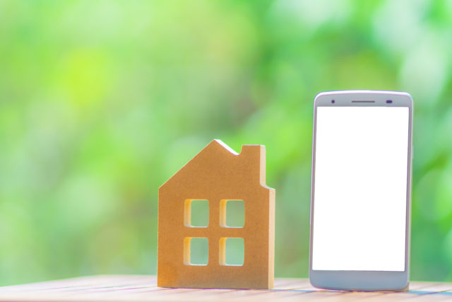 スマートフォンと家